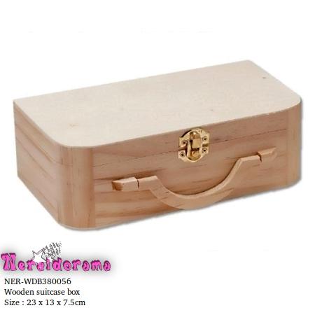 Ξύλινο κουτί βαλιτσάκι